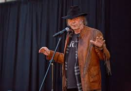 5 Things We Learned at <b>Neil Young's</b> '<b>Earth</b>' Album Preview ...