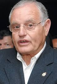 A. Cabrera / S. Lachica El presidente del PP majorero, Domingo González Arroyo, aseguró ayer que la operación para expulsar a CC de algunos ayuntamientos y ... - 2008-03-21_IMG_2008-03-14_00:51:20_arroyo