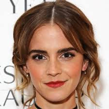 <b>Emma Watson</b> - Age, Movies & Life - Biography
