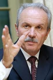 Greift Nationalbank-Chef Roth zum Schraubenzieher? Zinsen rauf oder runter? - Nationalbank-Praesident-Jean-Pierre-Roth
