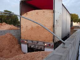 Metzer Farms Duck and Goose Blog  Best Bedding Materials For WaterfowlShavings is a very good bedding  If it is dry  it does an excellent job of absorbing moisture  It is also easy to clean out of your building   whether
