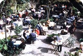 patio dining: filefrench quarter patio diningjpg french quarter patio dining filefrench quarter patio diningjpg