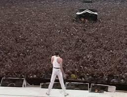 Resultado de imagen de freddie mercury en concierto