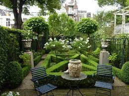 Small Picture 82 best Parterre gardens images on Pinterest Formal gardens