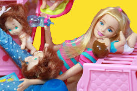 barbie babysitter babysitting crazy babies disney frozen elsa barbie babysitter babysitting crazy babies disney frozen elsa twins color change toy doll parody