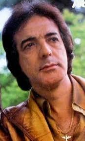 Nilton César nasceu em Ituiutaba, no Estado de Minas Gerais, em 1939. Foi sucesso na década de 1970 com a música Férias na Índia, gravada em 1969, ... - NILTON%252BCESAR%252BCOR