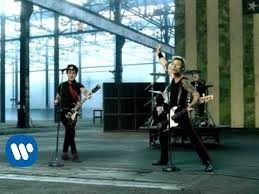 <b>Green Day</b> - American Idiot [OFFICIAL VIDEO] - YouTube
