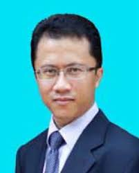 Nik Hisham, a Malaysian aged 42. He holds a Bachelor of Science Degree in Computer Science from the University of Kentucky at Lexington, Kentucky in the ... - 120430NHNI