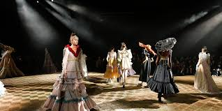 Haute Couture — Viktor&Rolf
