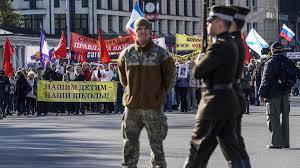 <b>Язык</b> преткновения: как в странах Балтии борются с <b>русским</b> ...