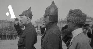 Былинные головные уборы в Красной армии • Arzamas