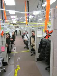 decorate the office spooky halloween decorating ideas for the office cfs cubicle decor awesome decorated office cubicles qj21