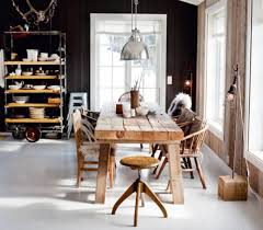 Cottage Dining Room Table Large Cottage Dining Room Ideas With Antique Wooden Dining Table