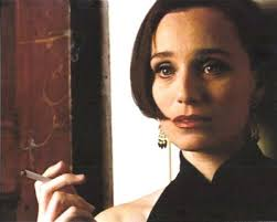 Kristin Scott Thomas in Four Weddings and a Funeral - 1861-Kristin Scott Thomas