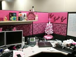cubicle design ideas creative cubicle decor glamorous office amazing christmas decorating ideas office 1