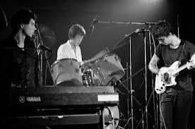 <b>Talking Heads</b> - Wikipedia