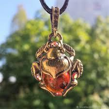 <b>Кулон</b> Жук скарабей украшение с <b>янтарём</b> подарок для девушки ...