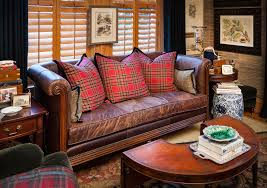 decorating with leather furniture 3 tips you 39 ve gotta know nell burgundy furniture decorating ideas