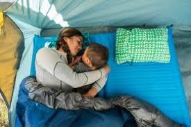 Кемпинг для двоих: обзор двухместных туристических <b>ковриков</b> ...