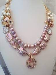 What's the Best Way to Wear Your Pearl Necklace? | Beaded jewelry ...