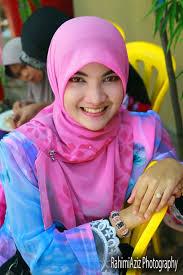 Beautiful muslim girl in fashion hijab Beautiful muslim girl in fashion hijab - Beautiful-muslim-girl-in-fashion-hijab