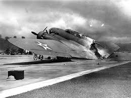 pearl harbour past to present aces flying high a usaaf boeing b 17 flying fortress destroyed at hickam field during the ese attack
