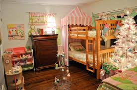 awesome christmas themed bedroom for kids with christmas tree charming kid bedroom design decoration