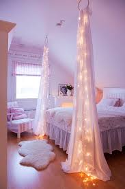 string light diy ideas for cool home decor starry bed post are fun for teens bedroom light ideas bedroom