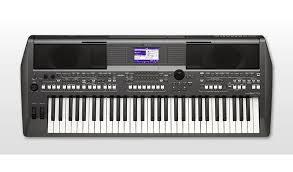 Купить <b>синтезатор Yamaha PSR S670</b>, цены в Москве на goods.ru