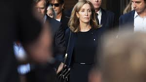 Felicity Huffman <b>Leaves</b> Prison—and a Week of <b>Fashion</b> Criticism ...
