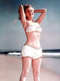 These Old Pictures of Marilyn Monroe in Swimsuits Are Amazing ...