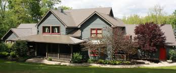 na couple runs essay contest for beautiful log home photo deanna railing is selling her na home in exchange for an essay