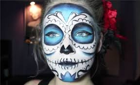 by adding a lot of blue to her sugar skull look marrs transforms the average makeup attempt instead you 39 ll catch attention for being such a standout and