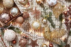 <b>Color</b> Schemes for <b>Christmas Decorating</b>