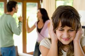 Resultado de imagem para imagem pais que se separam e filhos que sofrem