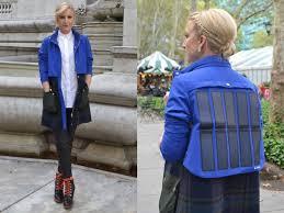 <b>Tommy Hilfiger</b> представила фирменную <b>куртку</b> со встроенными ...
