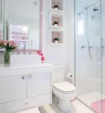 Resultado de imagem para aproveitar espaço banheiro