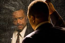 Shawn Hamilton in CenterStage's production of the Mountaintop. (Photo by Richard Anderson; courtesy of Centerstage). For the Jan. - Shawn_Hamilton_in_The_Mountaintop_insert_courtesy_CenterStage_by_Richard_Anderson