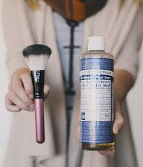 how to clean your makeup brushes naturally if you 39 re all sd about a one