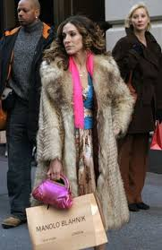 for the best life lessons were taking a page from carrie bradshaws book anna wintour tina fey in versace anna wintour desk google search anna wintour office google