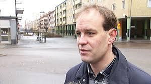 Konstnären bakom den omstridda tavlan - Nyheter | SVT.se