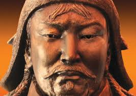 Gran parte del loro successo è dovuto alla forte leadership di Gengis Khan. L'articolo prosegue dopo il video. Lui stesso riuscì a fondare l'impero mongolo, ... - 1357296887443gengis-khan_425