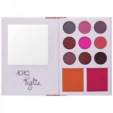 <b>Палетка теней и румян</b> Kylie Diary