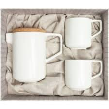 <b>Чайные</b> сервизы. Подарки до 3000 рублей.