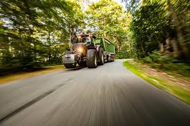 <b>Tractor driver</b>: are you aware of these six health risks? - Valtra Team