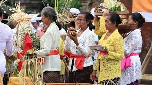 Image result for pictures of people giving a offering