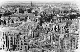 Resultado de imagem para Alemanha bombardeamentos