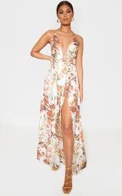 <b>White Floral Print</b> Chiffon Halterneck Maxi Dress | PrettyLittleThing
