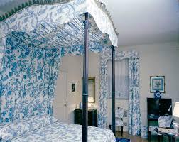 toile bedroom