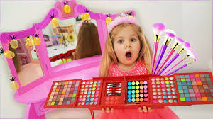 Diana Pretend Play Dress Up and <b>Make Up</b> Toys - YouTube